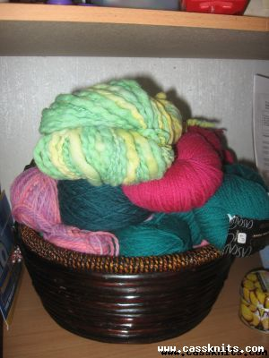 full knitting basket